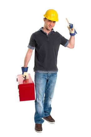 fröhlicher Handwerker mit Werkzeugkiste