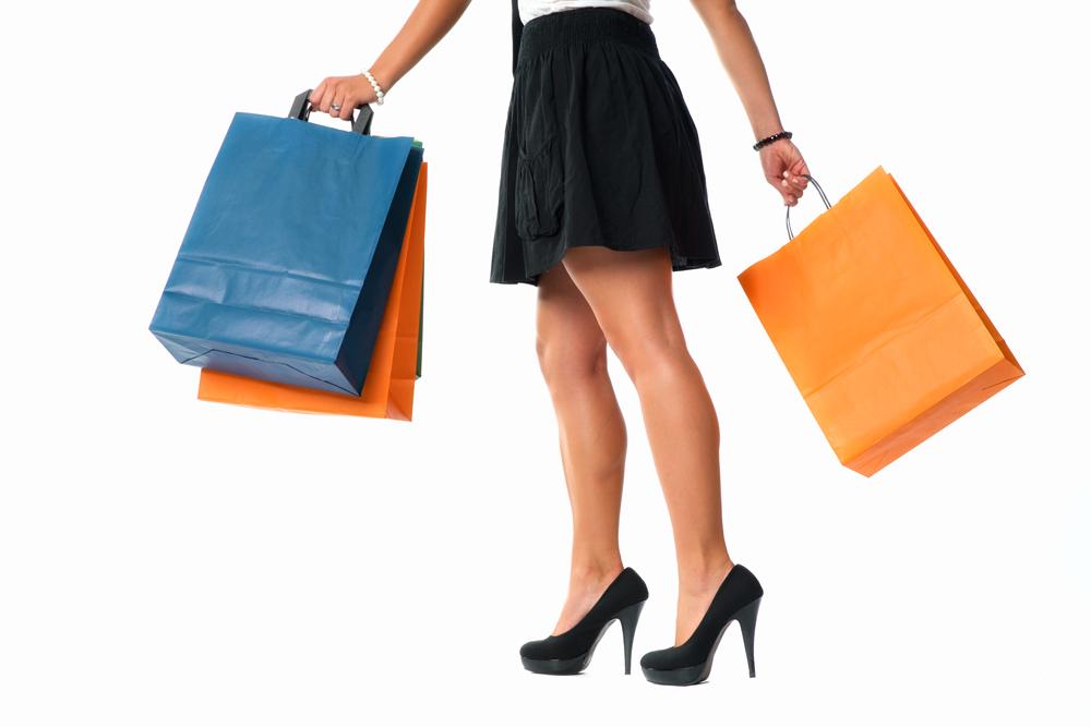 Frau beim Shopping Stockfoto