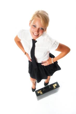 Geschäftsfrau mit Aktentasche