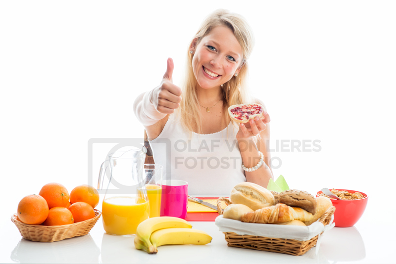 morgens am Frühstückstisch