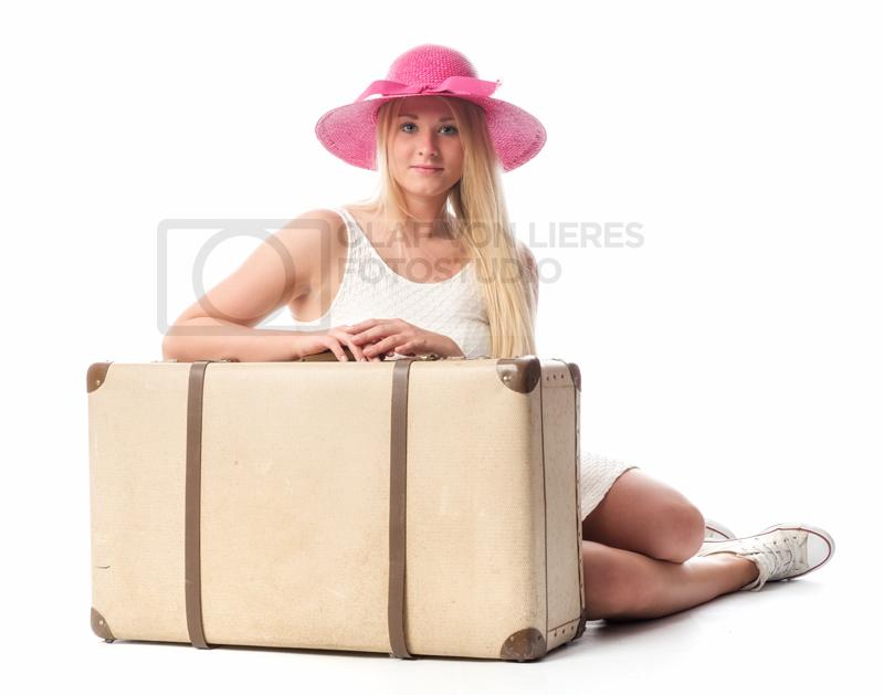 Teenager mit Urlaubskoffer